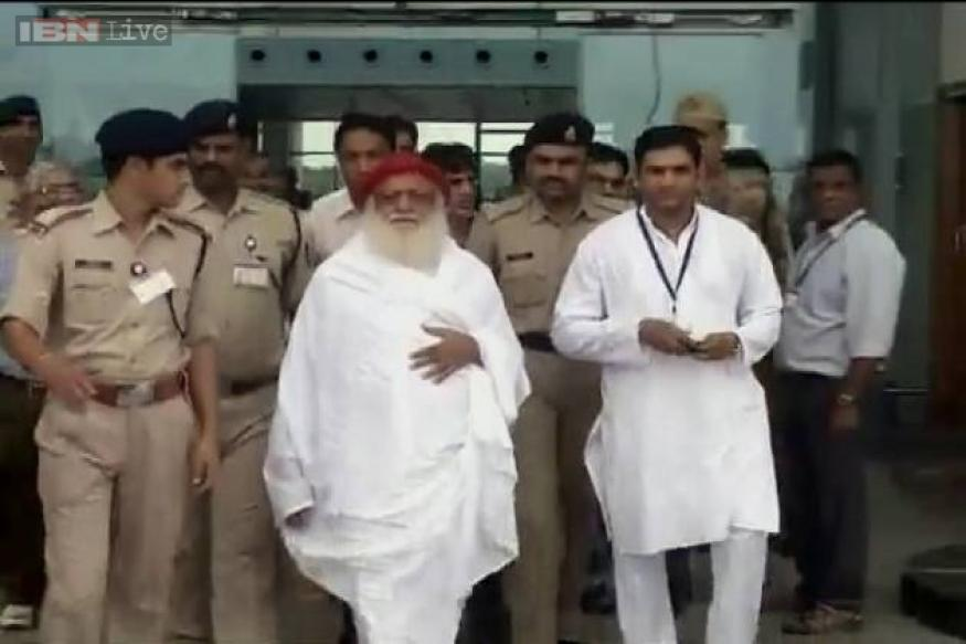 After Asaram's arrest, girl's family ends fast