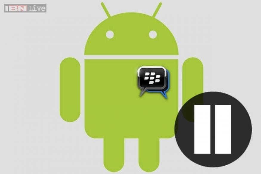 BlackBerry pauses BBM for Android and iPhone rollout, blames 'leaked' app