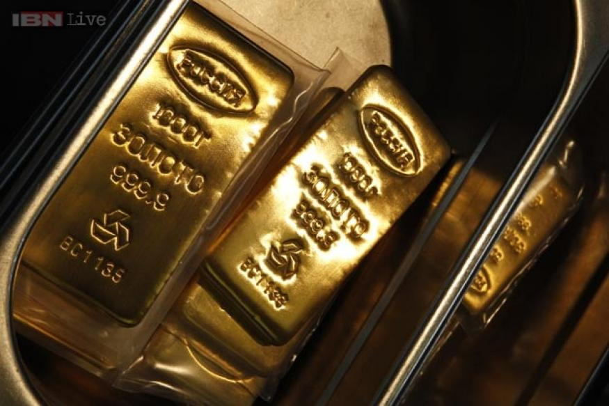 12 gold bars seized from two Sri Lankan passengers