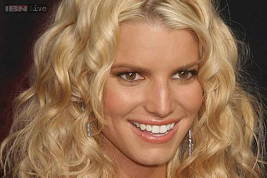 Jessica Simpson launches her own line of maternity wear