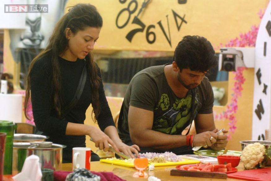 Bigg Boss 7: Kushal wants Gauhar from the wishing wall