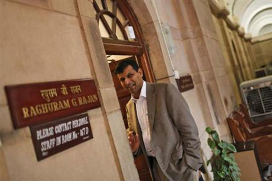 New RBI governor Raghuram Rajan steps into the heart of the rupee storm