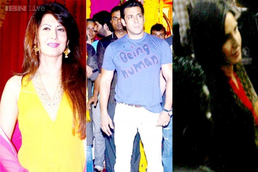 Katrina Kaif attends Salman Khan's Ganpati visarjan