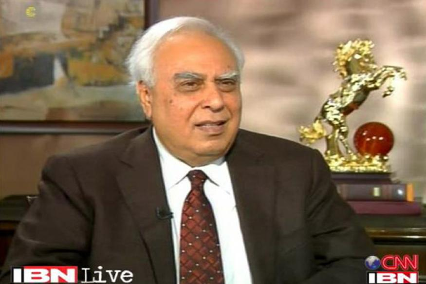Sibal attacks Modi's claims on Gujarat