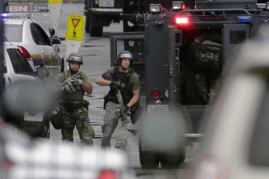 US Navy Yard shooting: 6 people and 1 gunman killed, many injured