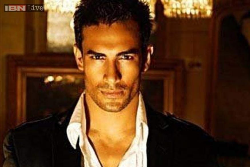 Bigg Boss 7: Model Asif Azim evicted from the house