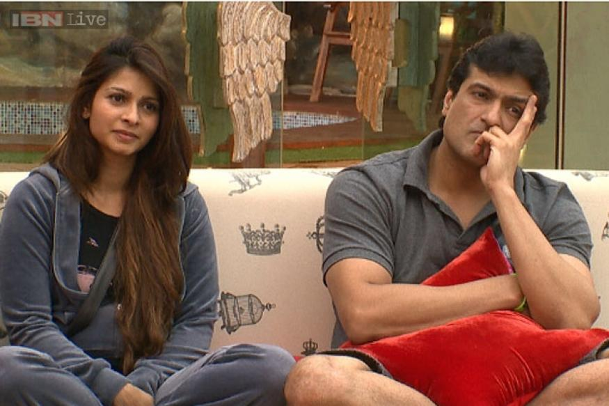 Bigg Boss 7: Are Tanisha and Armaan the new love birds in the house?