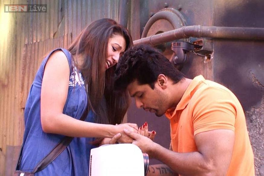 Bigg Boss 7: Andy tells Gauhar that she can do better than Kushal