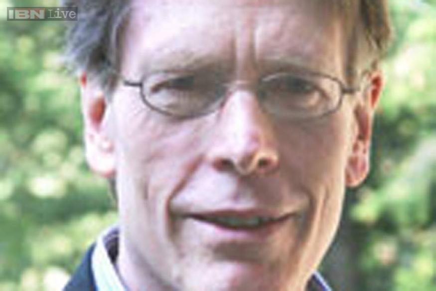 Eugene F Fama, Lars Peter Hansen, Robert J Shiller win 2013 economics Nobel Prize