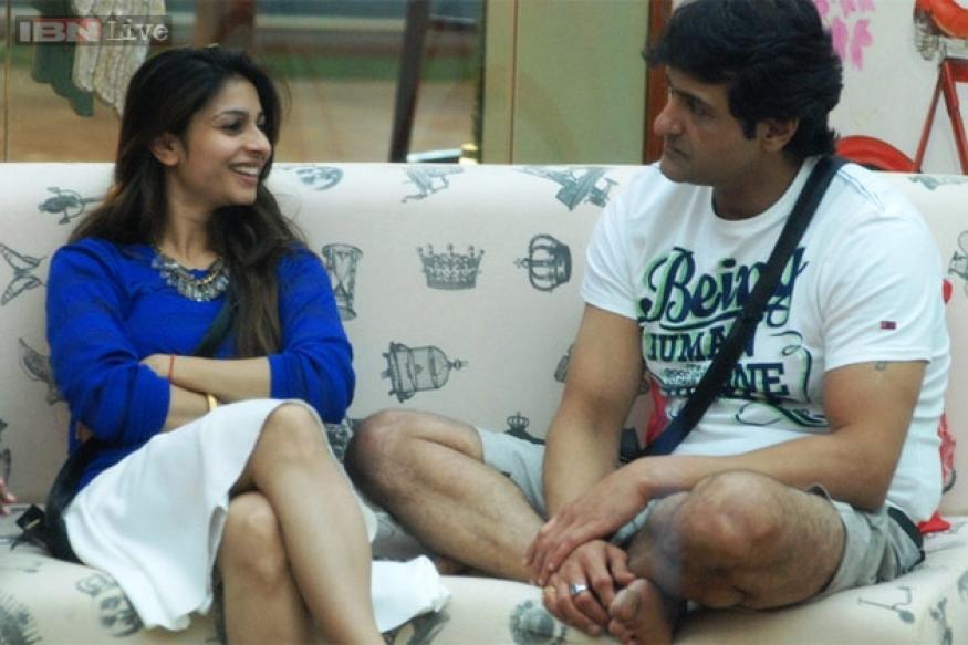 Bigg Boss 7: Tanishaa is using Armaan to win the show, says Sangram