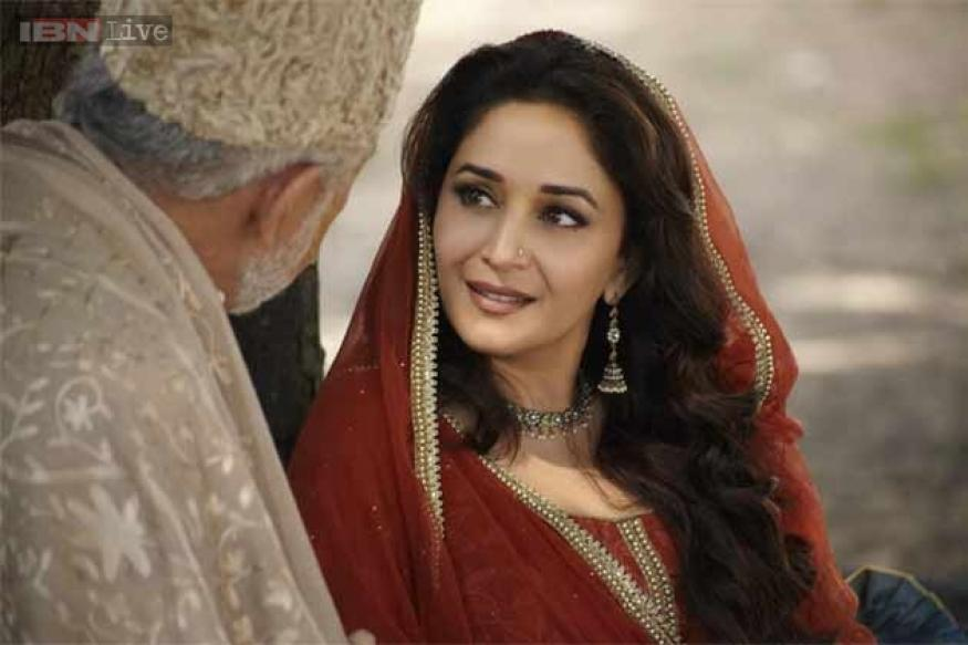 New 'Dedh Ishqiya' trailer to be attached with 'Bullet Raja'
