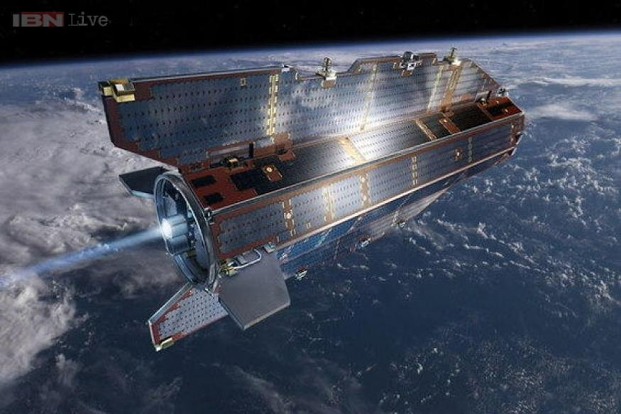 Falling satellite disintegrates in Earth's atmosphere, causes no damage