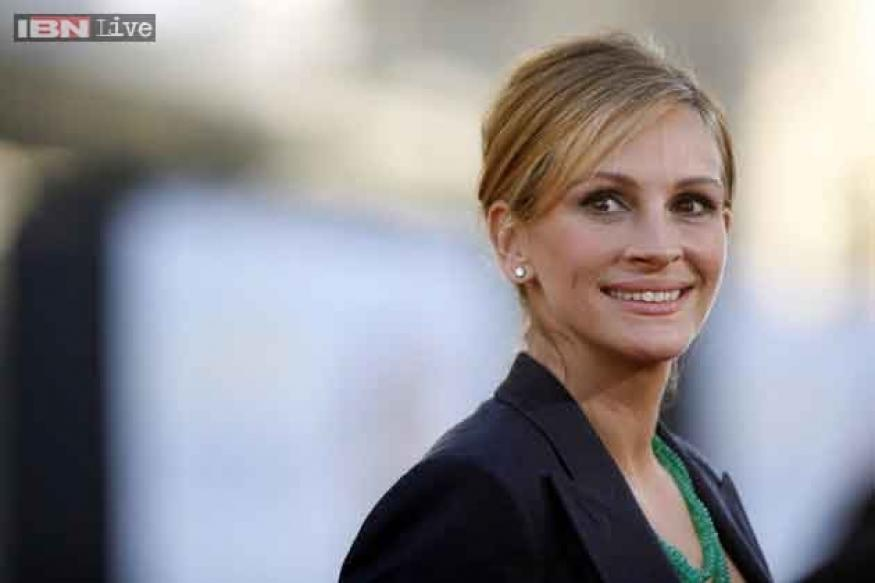 Julia Roberts: Social media is like cotton candy, looks so appealing