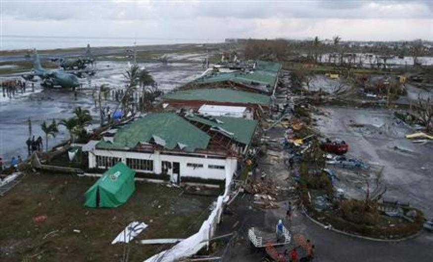 Philippine Red Cross says at least 1000 killed in Typhoon Haiyan