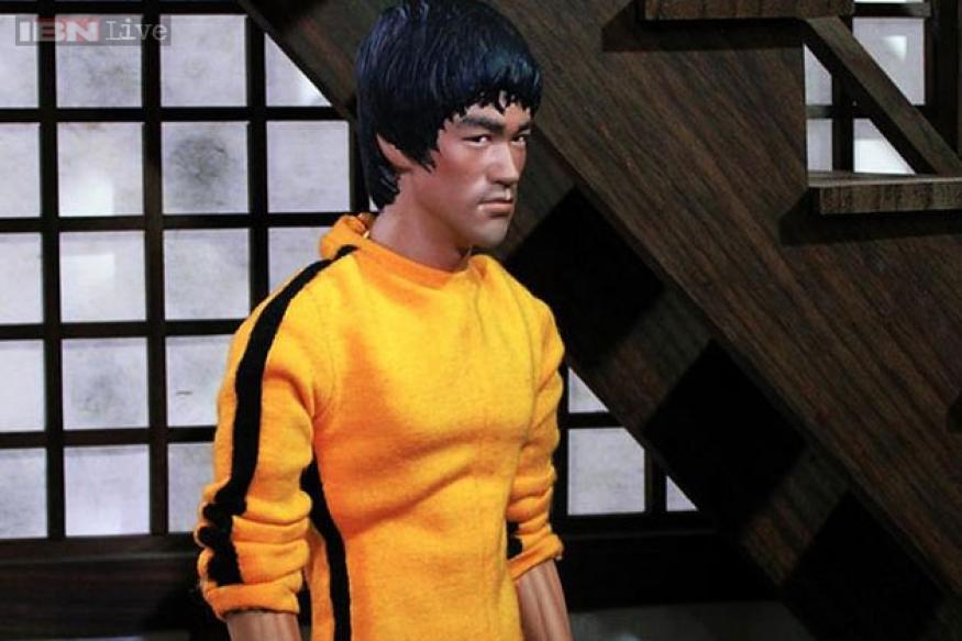 Bruce Lee's yellow jumpsuit sold for $100,000 - News18