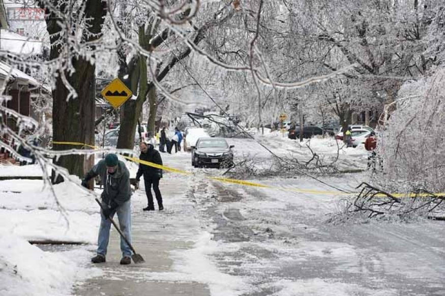 Ice storm leaves thousands powerless in US, Canada, over 20 dead