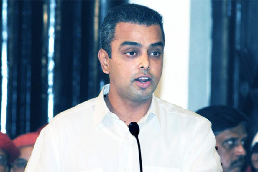 Deora disagrees with Maharashtra government stand on Adarsh report