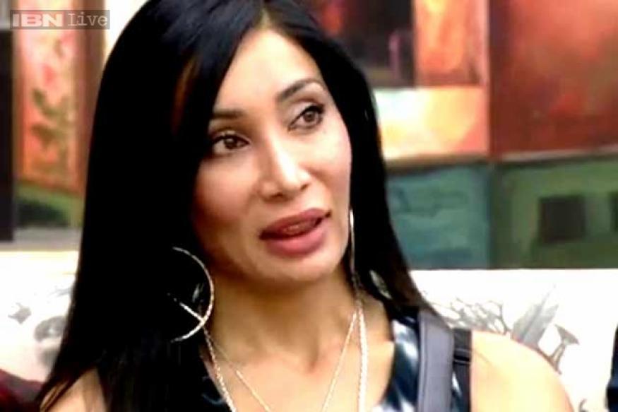 Bigg Boss 7: Armaan's behaviour is disgusting, Sofia tells Salman Khan