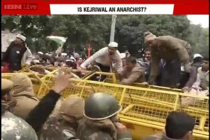 Live: Kejriwal calls off dharna after police assure action against SHO