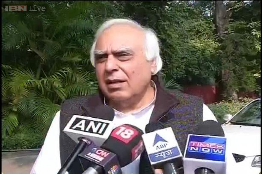 Modi 'salesman' par excellence, Kejriwal 'showman', says Kapil Sibal