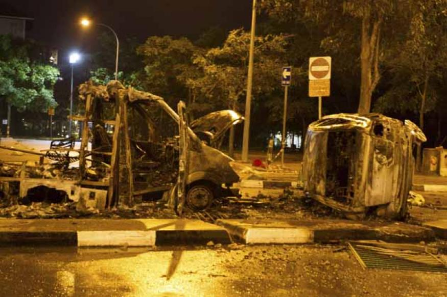 Riots in Little India inexcusable, says Singapore PM Lee Hsien Loong