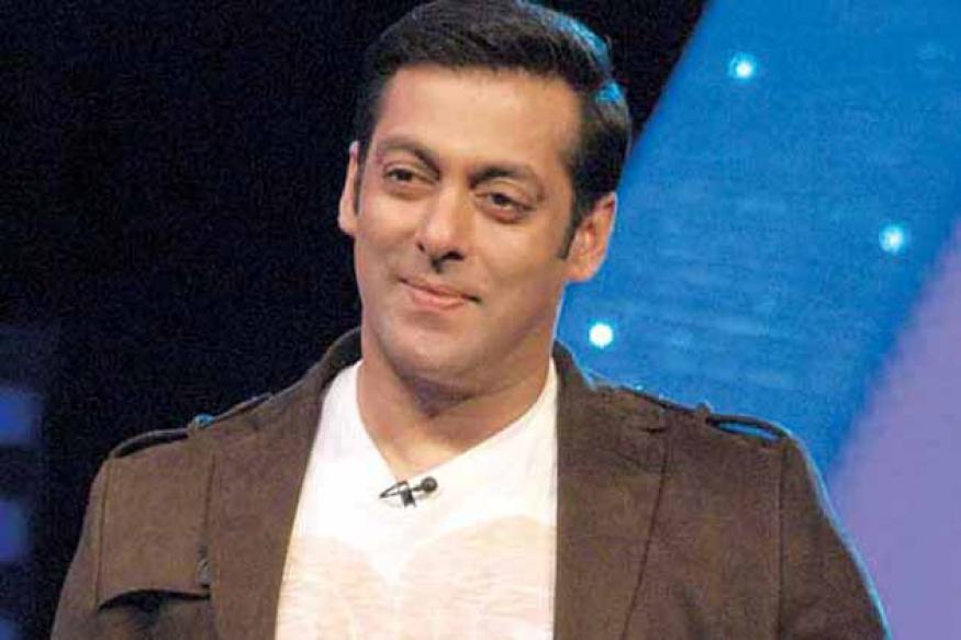 Salman, Madhuri defend their Saifai performance, donate money