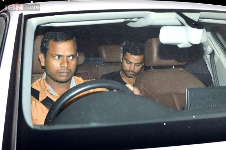 Snapshot: Dating? Virat Kohli goes directly from airport to Anushka Sharma's house
