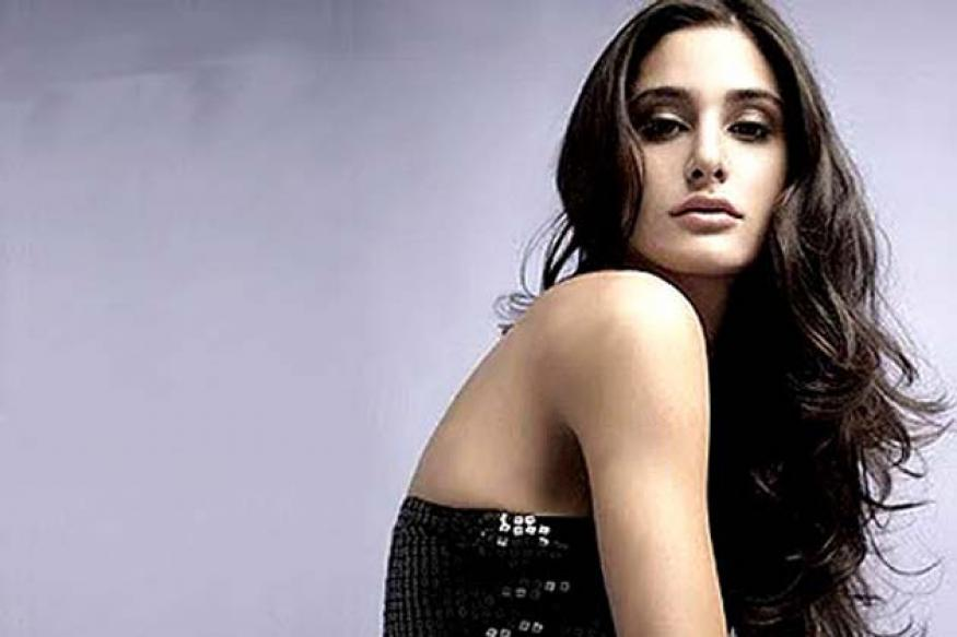 Dubbing in Hindi? Enjoyed a lot, says Nargis Fakhri
