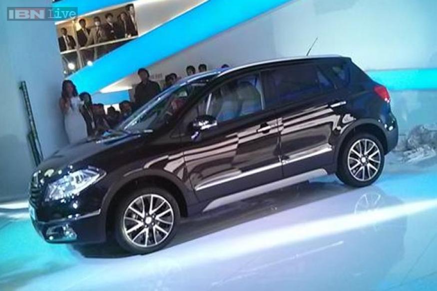 Auto Expo 2014: Maruti Suzuki unveils Ciaz sedan crossover, SX4 S-Cross concept models