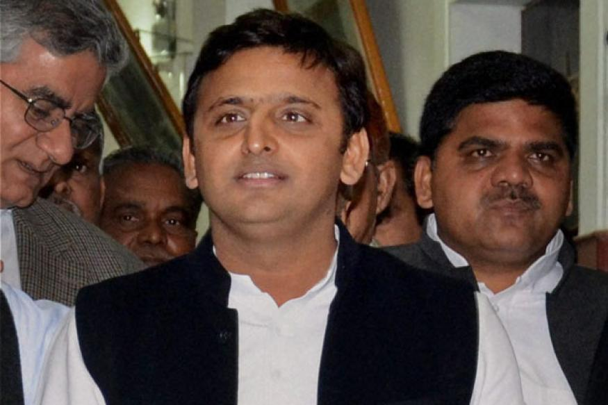 Don't hold discussion with workers through video conference: EC to Akhilesh Yadav