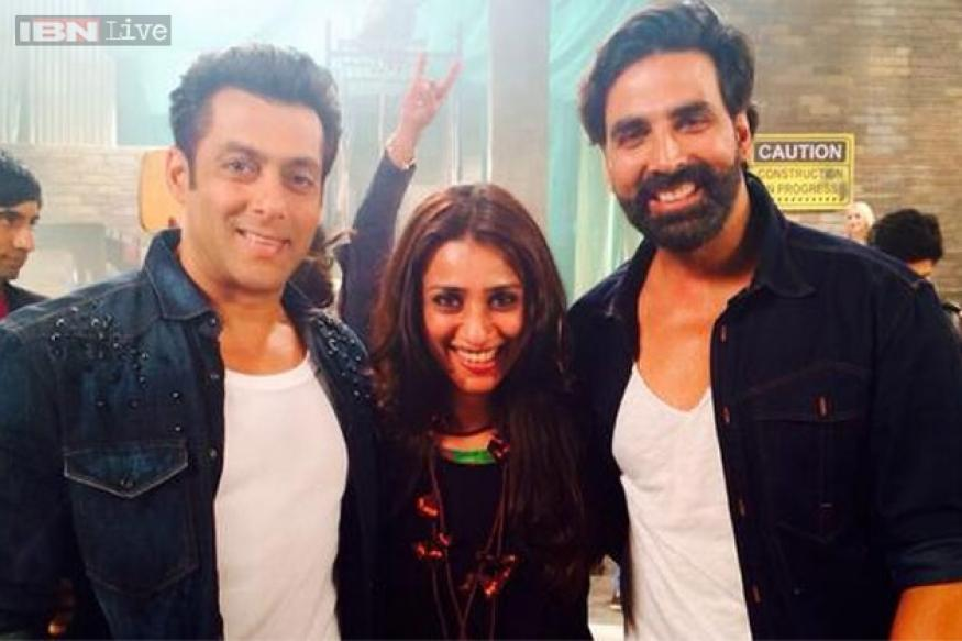 Snapshot: Akshay Kumar, Salman Khan shoot for the title song of 'Fugly'