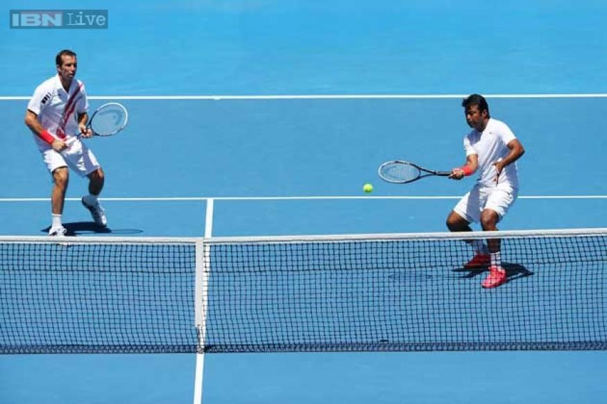 Paes-Stepanek pair move to Indian Wells quarter-finals