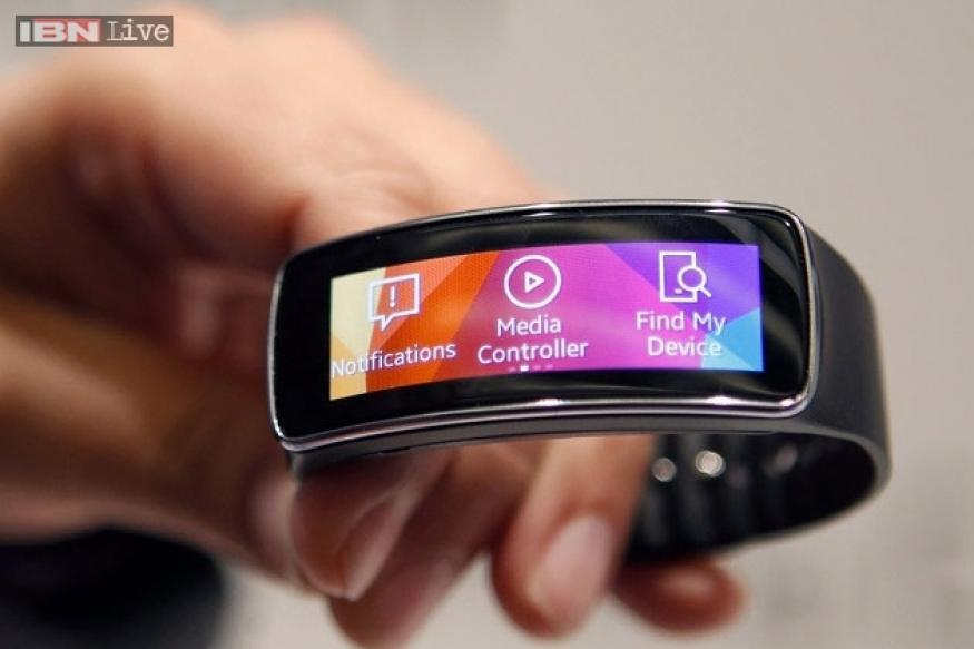 Samsung launches Gear Fit fitness band and Gear 2, Gear 2 ...