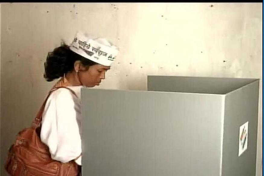 AAP's Soni Sori wears party cap while casting her vote, booked