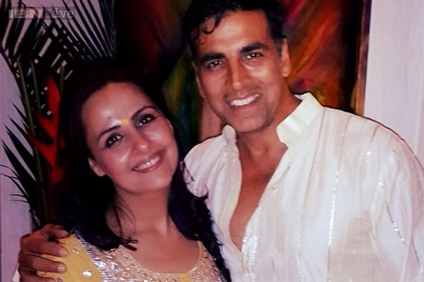 Snapshot: Akshay Kumar stumbles upon an old picture with sister Alka; shares it on Twitter