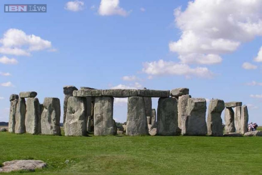 Britain's oldest town unearthed; scientists claim to have discovered who built the first monuments at Stonehenge