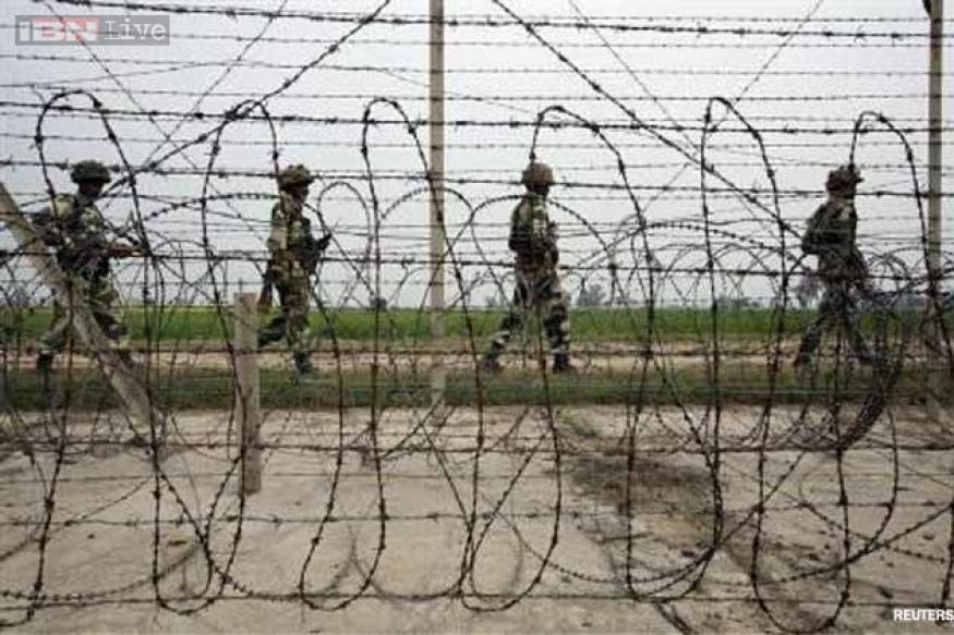 Jammu: Pakistan fires at Indian posts for the third day in a row