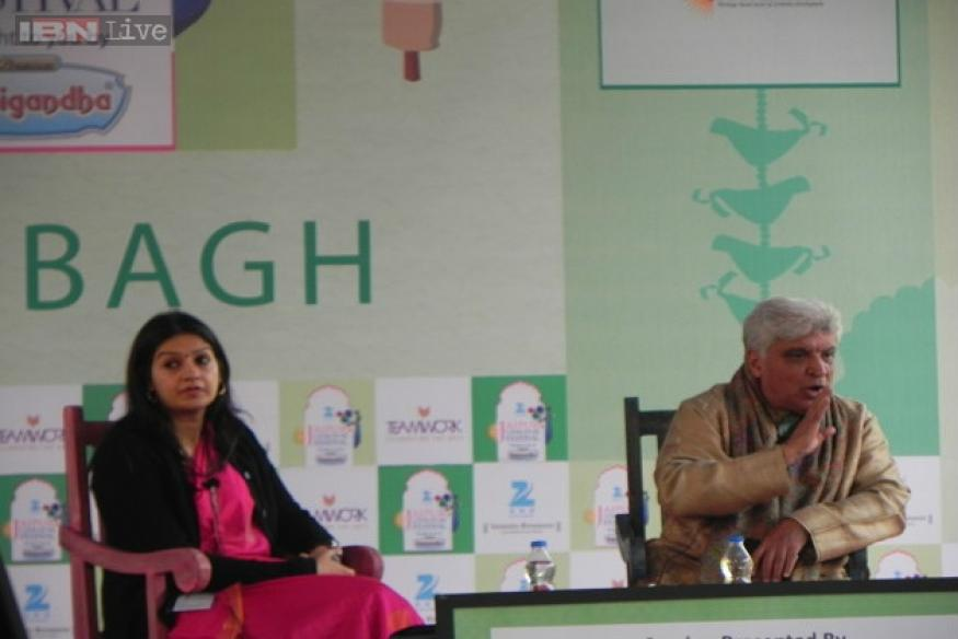 No amount of money can make me write vulgar songs, says Javed Akhtar at Jaipur Literature Festival 2015