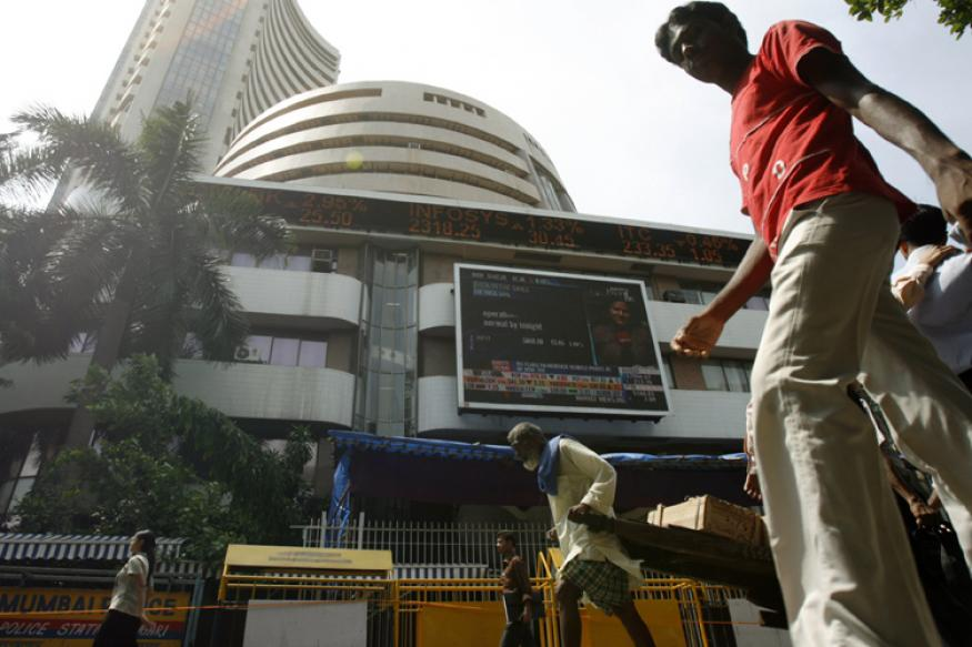 Sensex Down 49 Points on US Rate Hike Hints, Rupee Plunge
