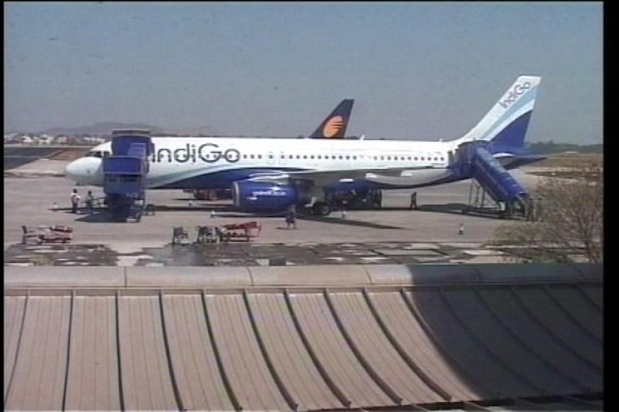 IndiGo Q4 profit falls 25% to Rs 440 crore