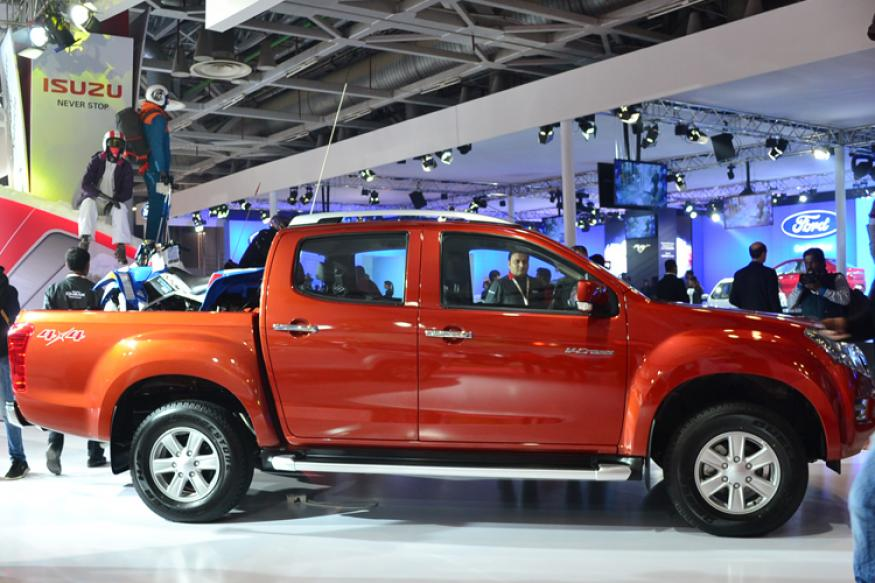auto expo 2016 isuzu unveils india 39 s first adventure utility vehicle d max v cross news18. Black Bedroom Furniture Sets. Home Design Ideas