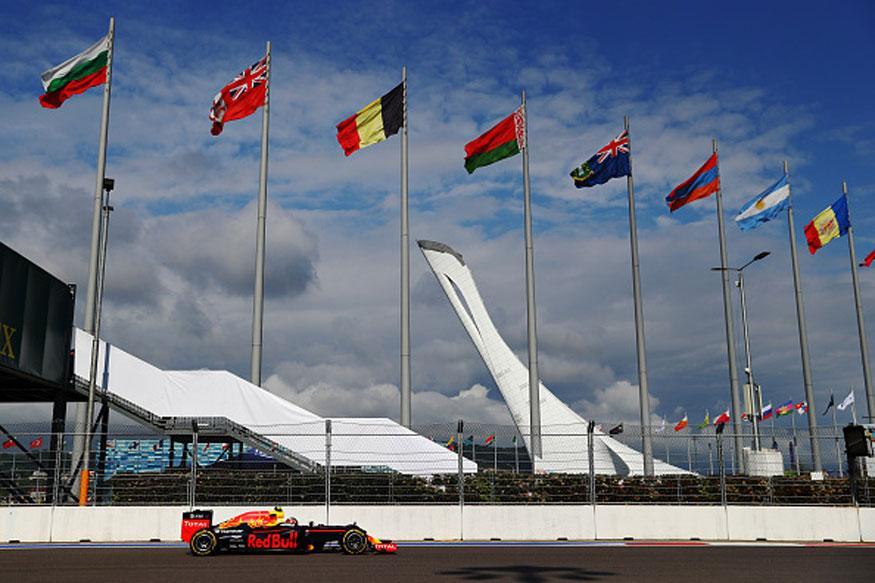 Formula One Backs Cheaper Engine Deal for 2017