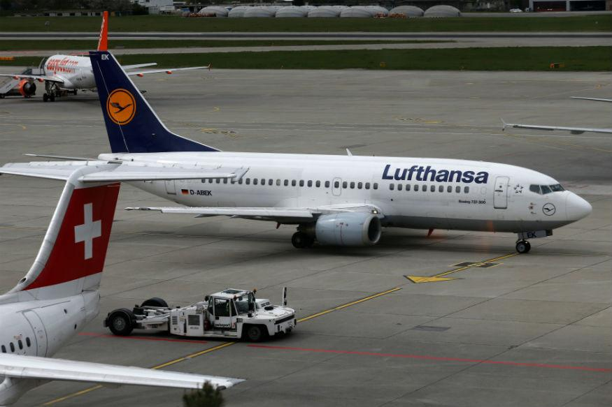 Lufthansa Cancels 900 Flights as Pilots' Strike Continues