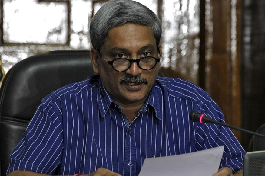 Defence Minister Manohar Parrikar Demeaning Armed Forces, Alleges AAP