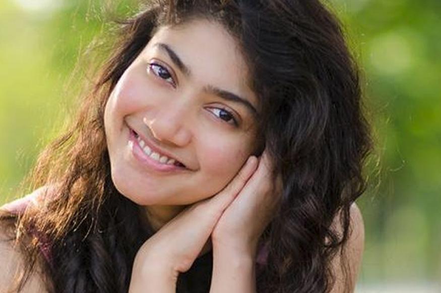 Sai Pallavi To Team Up With Varun Tej?