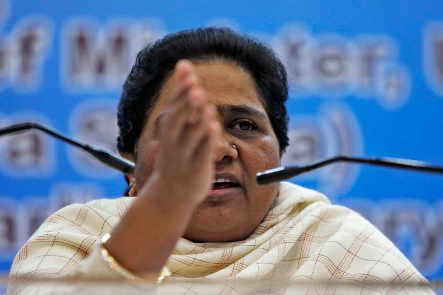 Mayawati Targets Mulayam, Accuses Him of 'Enacting Drama' to Save Son Akhilesh Yadav
