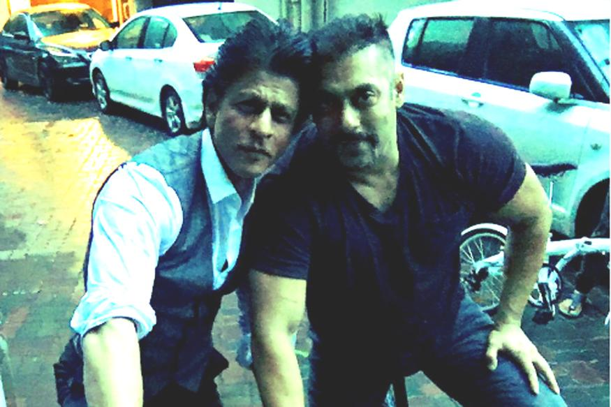 This Is Big! Shah Rukh, Salman Khan to Host Award Show Together