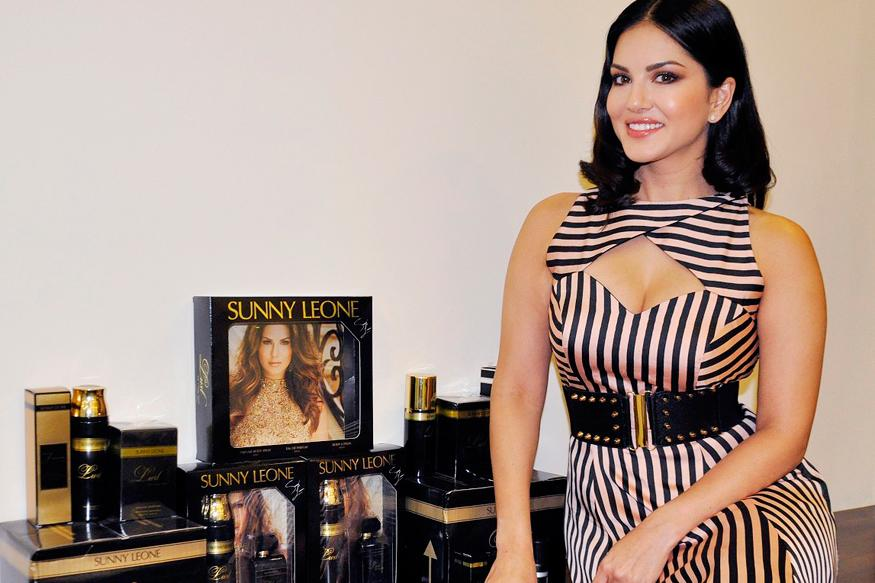 Sunny Leone To Walk For Designer Archana Kochhar At New York Fashion Week