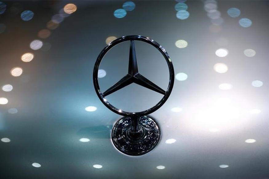 Mercedes-Benz Donates C-Class Sedan to Government Engineering College