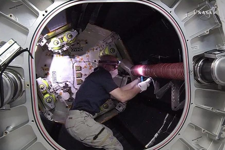 NASA Astronauts Prepare ISS for Commercial Space Taxis ...